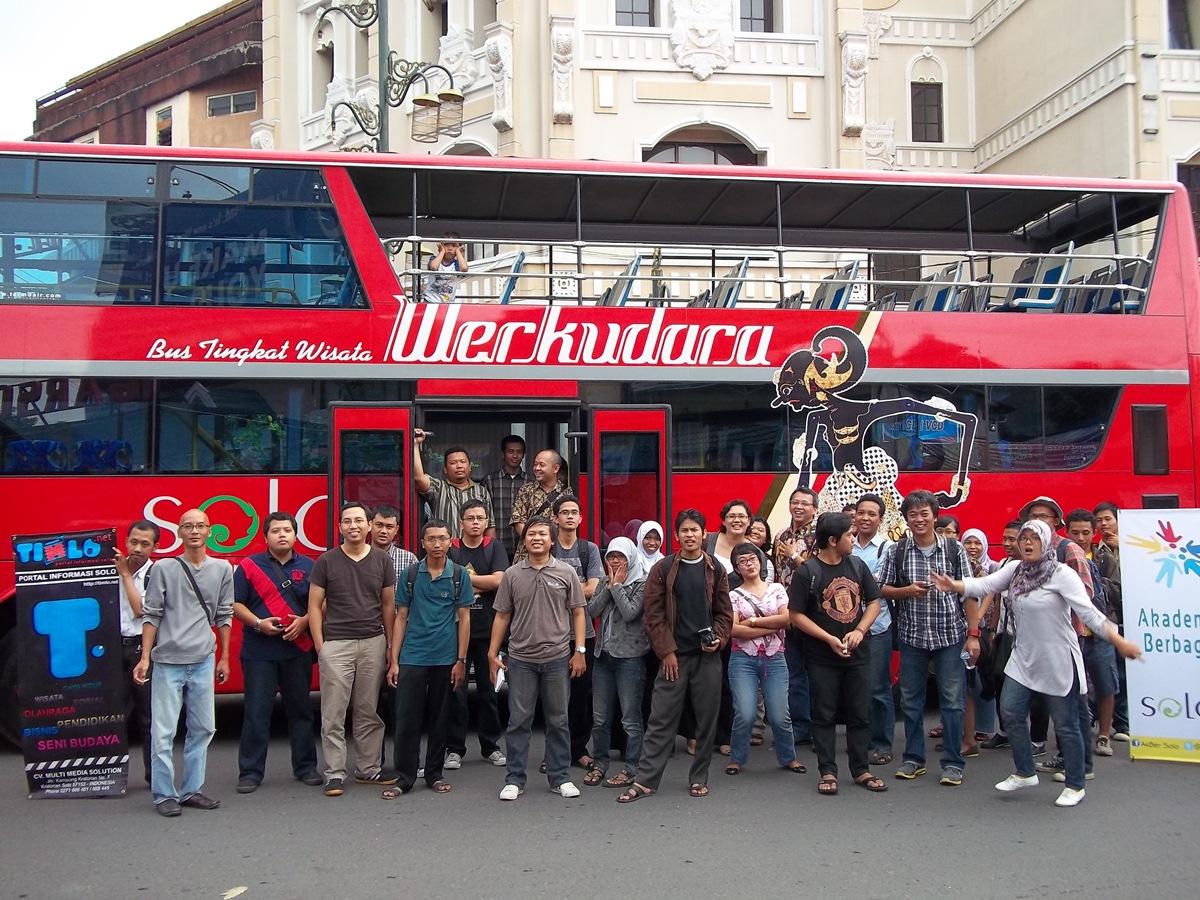 Foto bersama sebelum naik Bus tumpuk Werkudara