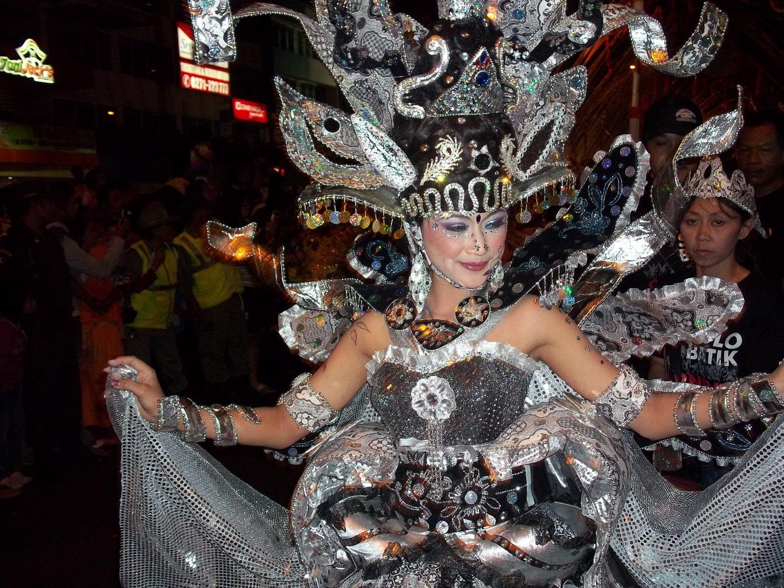 Kemeriahan Solo Batik Carnival 2011 - Dimas Suyatno