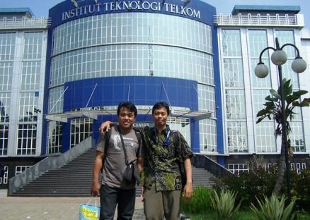 Kang Rimba (kiri) dan Saya