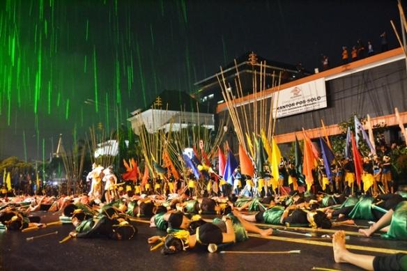Segmen terakhir Pentas Wayang Kolosal yg melibatkan 750 penari & 250 pendukung acara