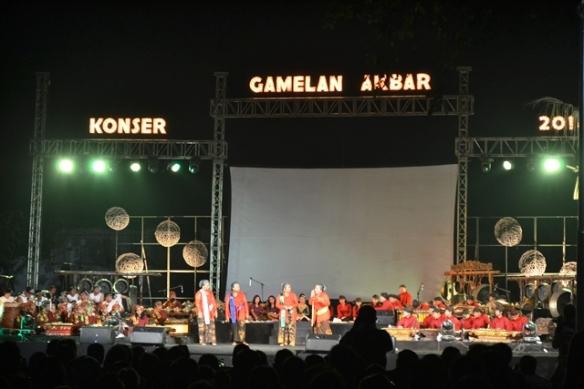 Sahita di Konser gamelan Akbar