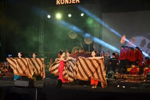 Salah satu penampilan di tanding gending Konser Galeman Akbar